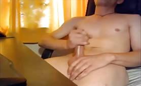 18 year old guy masturbating on live webcam