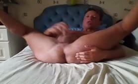Having a solo wank in bedroom